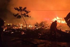 1,000 tinggal sehelai sepinggang selepas rumah musnah dalam kebakaran di Tawau