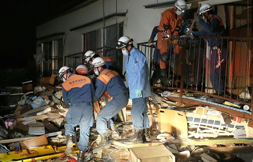 siaran television NHK melaporkan sekurang-kurangnya sembilan maut dan 760 yang lain cedera.