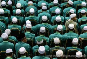 PAS urged to sever ties with PKR