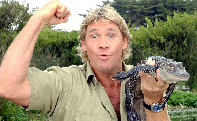 Steve Irwin, seorang personaliti televisyen dan pencinta haiwan.