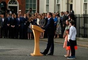 Cameron tinggalkan pejabat, ucap 'selamat maju jaya' kepada UK