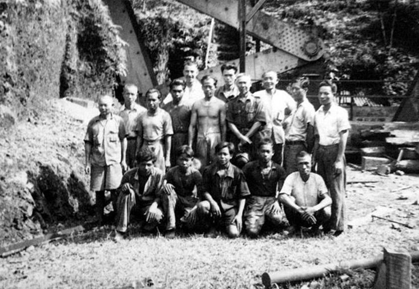 Di zaman kegemilangannya pada pertengahan era 1900, pelombong di Sungai Lembing boleh membawa pulang hasil sehingga RM3,000 sebulan.