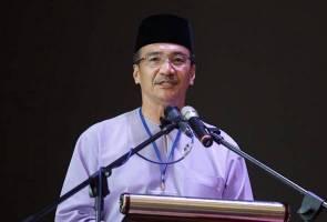 Tindakan Muhyiddin minta PM saman bersifat emosi - Hishammuddin