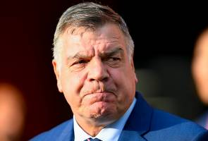 Sam Allardyce fights to save England manager job