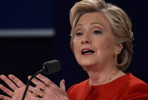 Hillary Clinton proves it pays to show up prepared