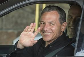 Possible Disney merger with Twitter poses risks for Iger legacy