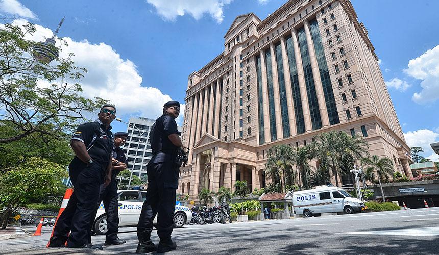 LAPOR LANGSUNG: Polis sahkan ancaman bom di Bursa Malaysia palsu