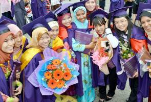 Targeting 7-8 per cent graduates in entrepreneurship by 2020 - Idris Jusoh