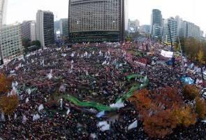 Dua eksekutif Samsung disiasat dalam skandal rasuah Presiden Korea Selatan