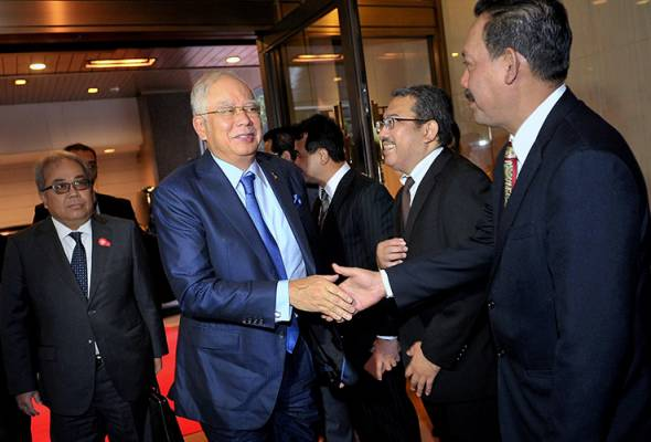 1MDB terlalu dipolitikkan orang tertentu untuk kepentingan diri - PM Najib