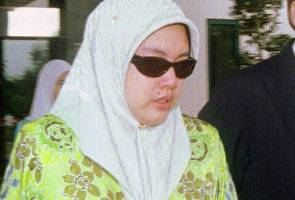 Former queen Siti Aishah files creditor's petition against Syed Hussein