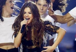 Selena Gomez reveals Instagram addiction, low self-esteem