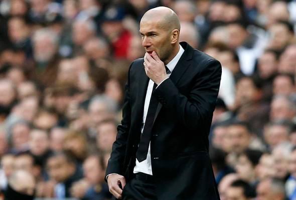 Marcelo terpaksa dikeluarkan di babak pertama sekali gus menyebabkan Zidane terpaksa mengubah taktikal.