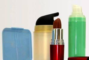 Cosmetic products sold online seized, not registered under drugs, cosmetics regulations