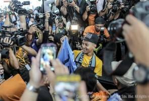 Anugerah Puskas 2016: Faiz Subri terima ganjaran RM150,000