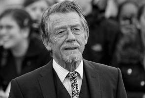 John Hurt, British actor who played desperate, eccentric characters, dies at 77