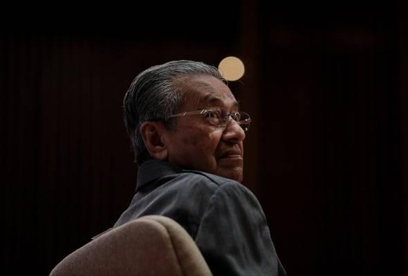 Tun Mahathir jangan bersikap 'sebelah tangan mahu bersalam, sebelah tangan mahu menumbuk'