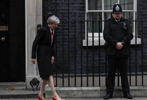 Waiting for May, EU pencils April 6-7 Brexit summit