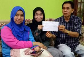 Education fund for Johor homeless SPM scorer solely for studies - Teacher
