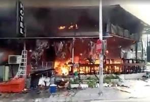 Budget hotel razed down in Bukit Bintang fire