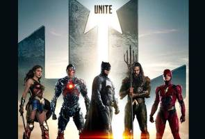 With their biggest splash of a preview since last years San Diego Comic-Con, Warner Bros. and DC Entertainment have released a new 'Justice League' trailer.