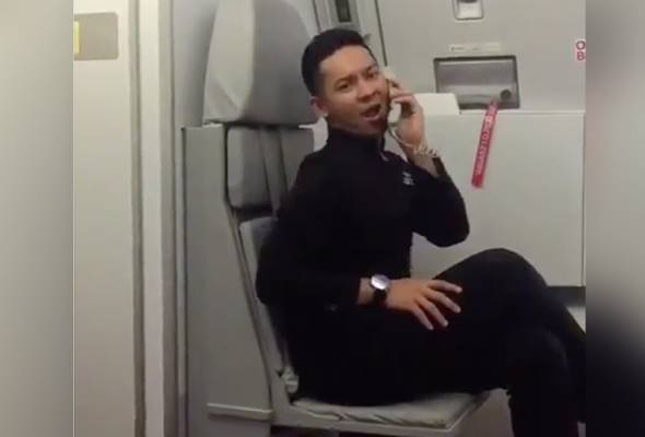 A video featuring a cabin crew for low-cost carrier AirAsia has gone viral after it was shared by Tan Sri Tony Fernandes and 9gag.