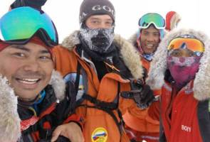 Malaysian explorers finish off North Pole expedition five days ahead of schedule