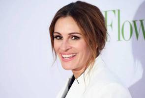 Julia Roberts named People's 'most beautiful' for record 5th time