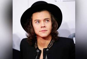 One Direction's Harry Styles' debut album tops the UK chart