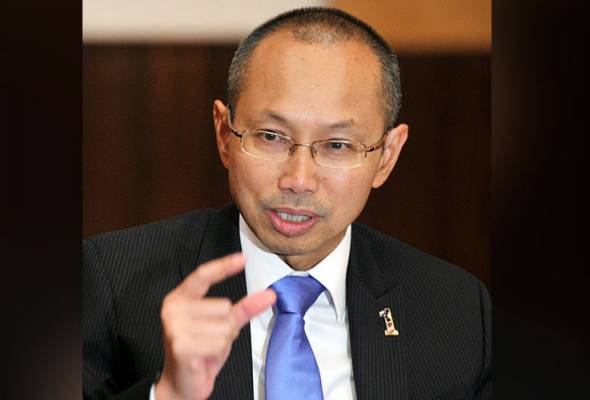 According to Tan Sri Abdul Wahid Omar his conscience is clear about not being involved in politics.