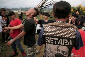 In Indonesia, pious 'punks' promote Islam