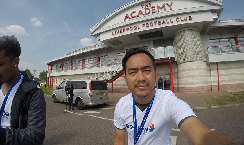Ian pada hari pertama latihan di the Academy, akademi bola sepak Liverpool di Kirkby.