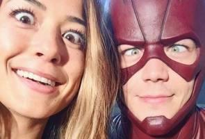 'The Flash' bertunang gadis kacukan Kadazan Sabah, netizen terlebih teruja