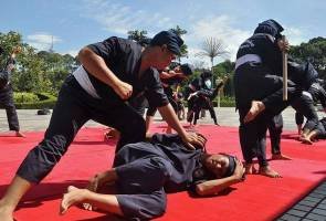Silat members should contribute to develop the art