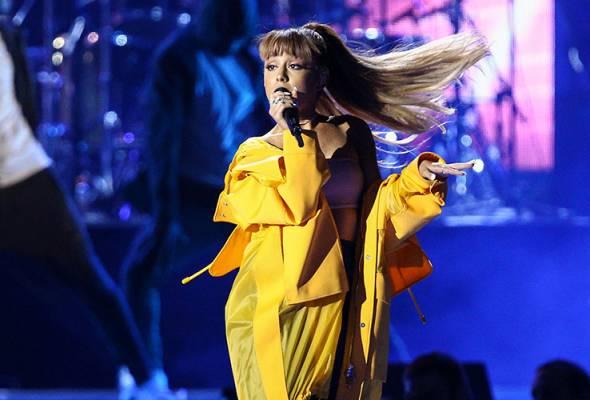 Difahamkan, Ariana Grande tidak berada dalam keadaan yang baik untuk meneruskan jelajah konsertnya di Eropah.