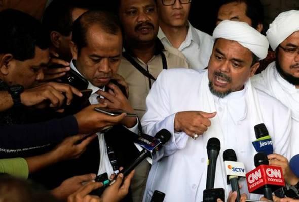 Pemimpin FPI Indonesia Habib Rizieq dinamakan suspek kes pornografi