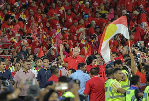 'Gelombang Merah' di Stadium Nasional Bukit Jalil