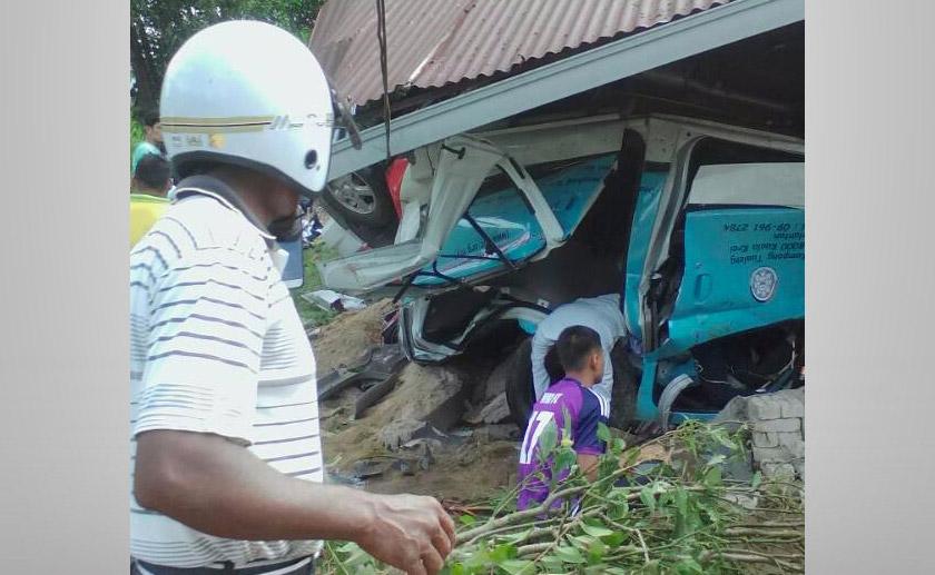 lima mangsa dilaporkan maut sementara sembilan lagi cedera.