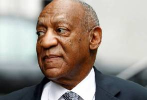 Cosby lawyers demand mistrial, judge says jury can keep working