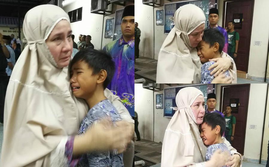 Foto anak arwah Mejar Yazmi menangis dalam dakapan Tunku Azizah undang sebak