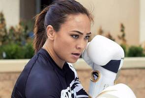Fighter Feature: Supermom 'Karate Hottie' Michelle Waterson takes it all!