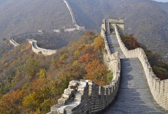 Tembok Besar China dipulihara dengan alatan mudah, batu-bata lama
