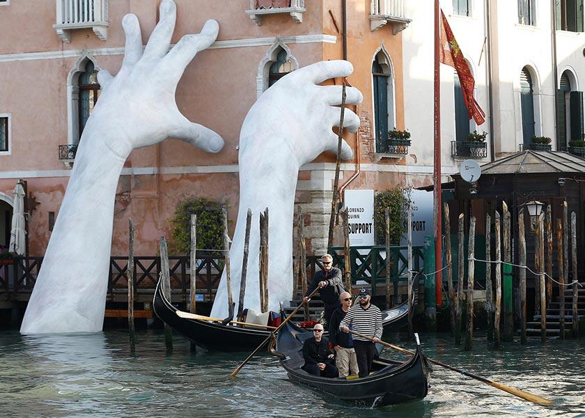 Stefano Rellandini / Reuters