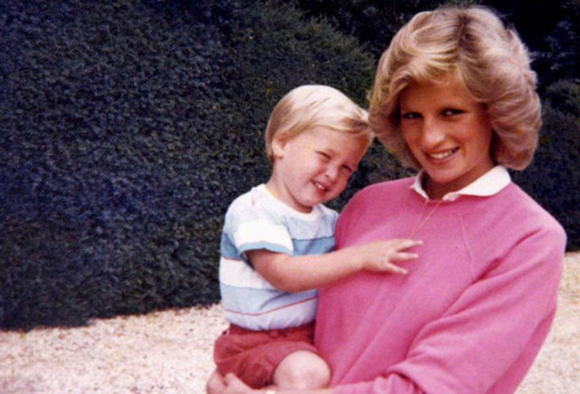 Diana terbunuh dalam kemalangan di Paris pada Ogos 1997 ketika William dan Harry masing-masing baru berusia 15 dan 12.
