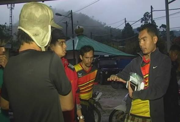When met at the Lojing police station Dr Muhammad Iqbal said the duo who saved him, brought him to the Lojing Mosque.