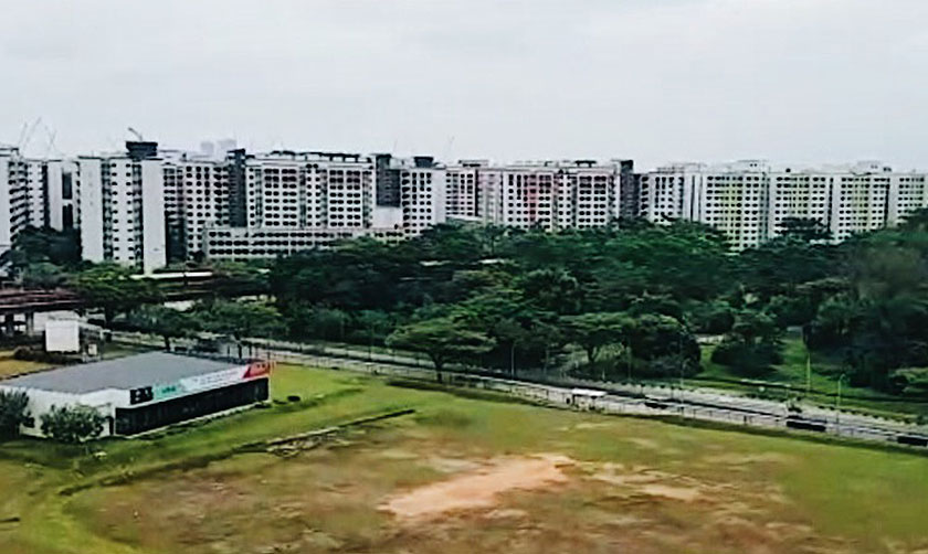 Undeveloped state land in the midst of high-rise HDBs near Sembawang Station