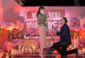 Waris Berjaya dan Naza jalin pertunangan
