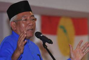 Teachers need approval from dept head to be in politics - Mahdzir