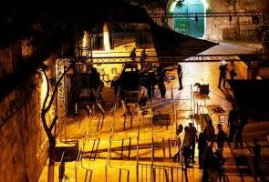 Confusion lingers as Israel removes Al-Aqsa detectors