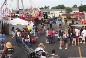 One dead, 5 critically hurt after thrown from ride at Ohio fair